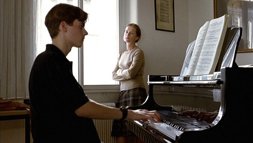 http://ekkelt.montages.no/wp-content/blogs.dir/51/files/2012/05/movie-the-piano-teacher-by-michael-s2-mask9.jpg